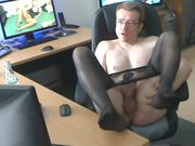 Elmar wanks in pantyhose until he cums