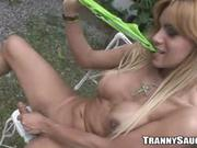 Sexy tranny masturbates outside