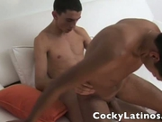 Skinny Latinos fuckig in their apartment