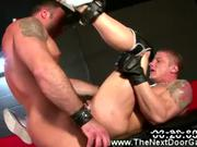 Gay mucles gets his tight ass filled up