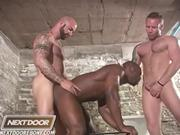 Derek Reynolds: Threesome Interracial Muscles