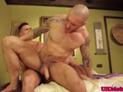 UK jock loves getting his arse buggered